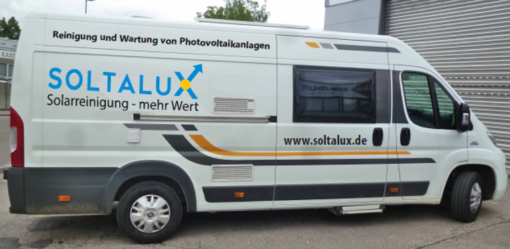 Zugfahrzeug-Solarreinigung