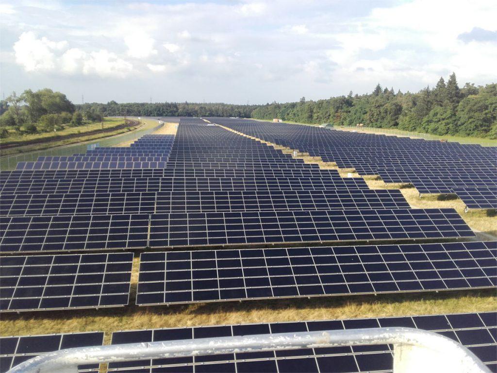 reinigung-solarpark-bruhrhain-002_web